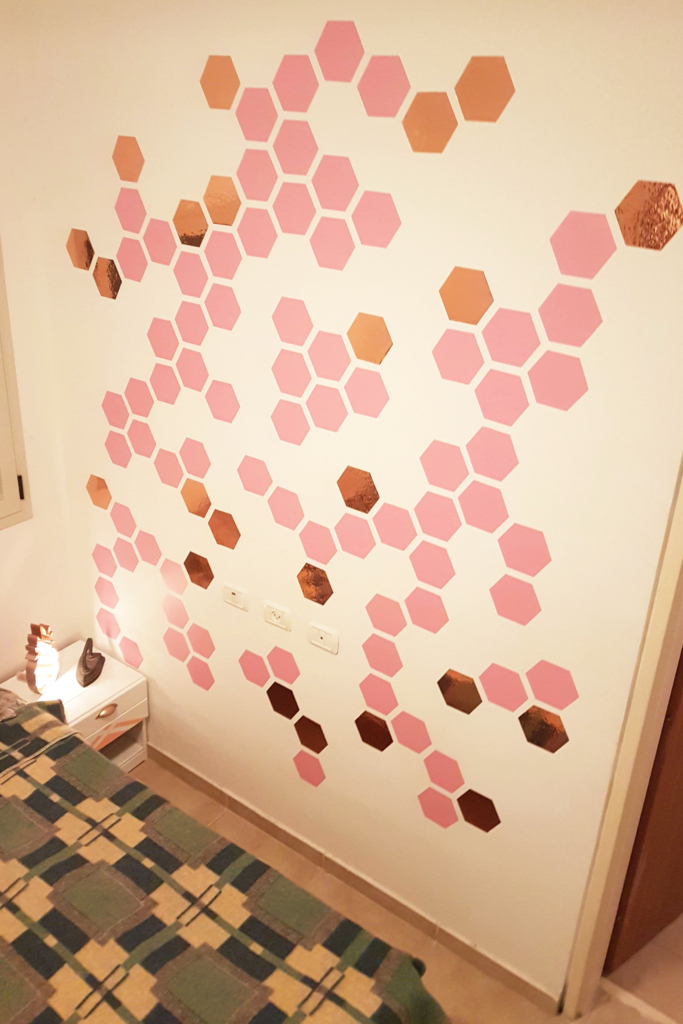 DIY accent wall hexagons