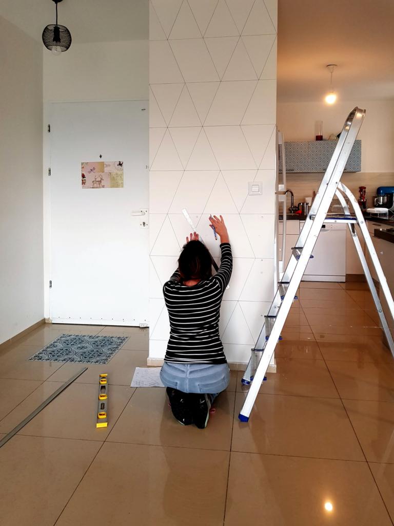 DIY Accent wall, paint pen wall - sharpie, posca, marker