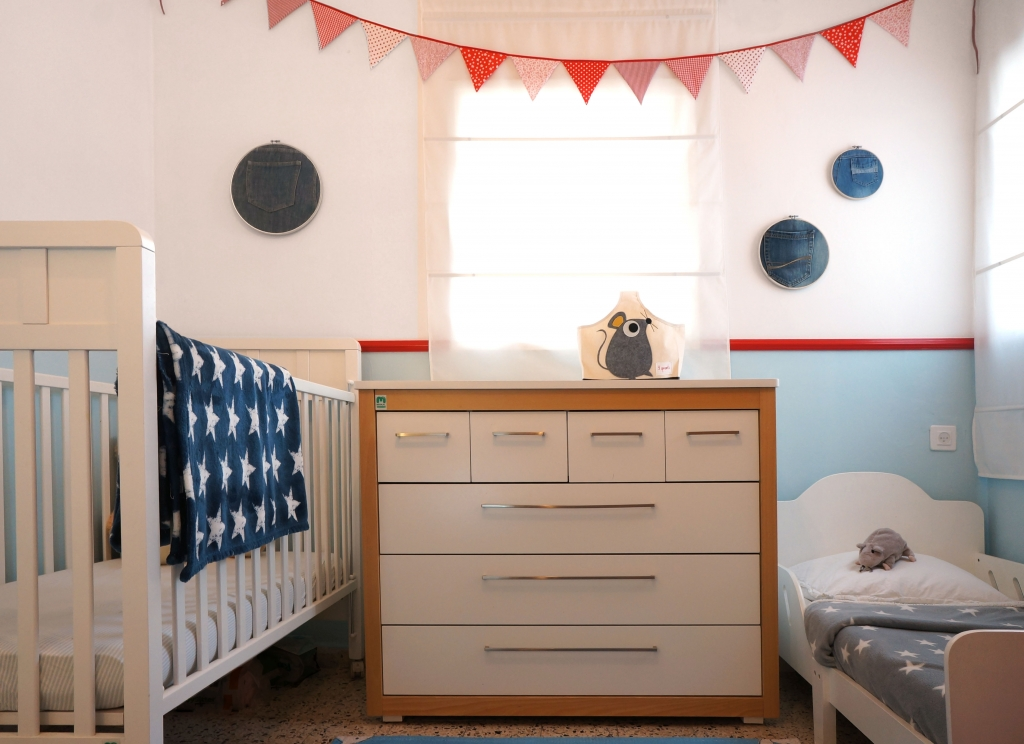 Furniture upcycle kids room